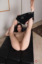 Sadie-Blake-Amateur-Series-4-106x--46vpjgrs5r.jpg