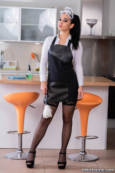 NEW!            Name: Ginebra Bellucci, Horny