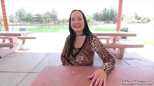 Mompov.com -  Louise Cougar in the wild bonus