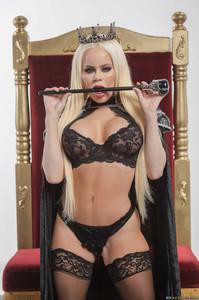 New! 04/15/19  Nikki Delano - Capture The Queen!