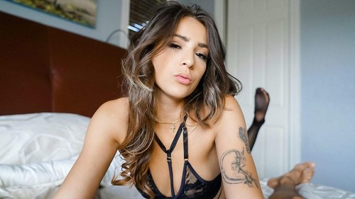 Sofie Reyez - Taste The Cream Filling (2019/ThisGirlSucks.com/SD)