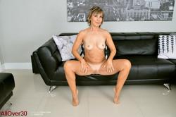 Georgie-Lyall-Ladies-x136-4800px-l7ahuv2m01.jpg