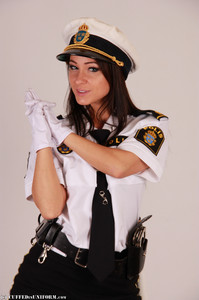Melisa A Melisa     Poliskvinnan Melissa Gets