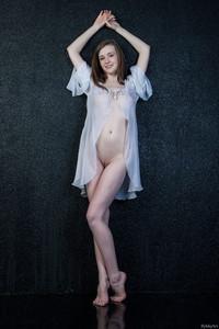 Emily Bloom - Lakkisa