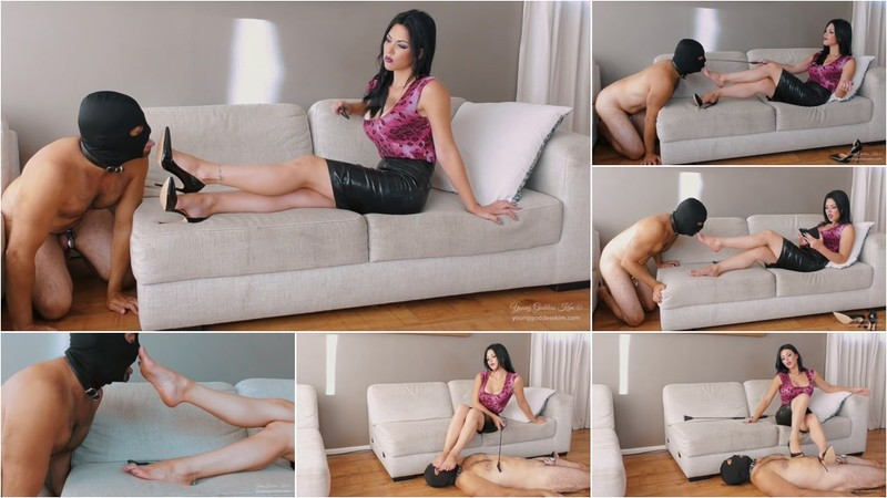 Young Goddess Kim: Part Of The Furniture [FullHD 1080P]