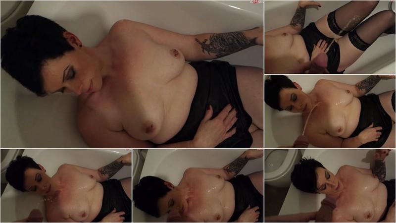 Sexygirl-Christine - Golden Shower [FullHD 1080P]