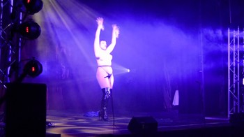 Celebrity Content - Naked On Stage - Page 20 Z9tm0ghjl0gw