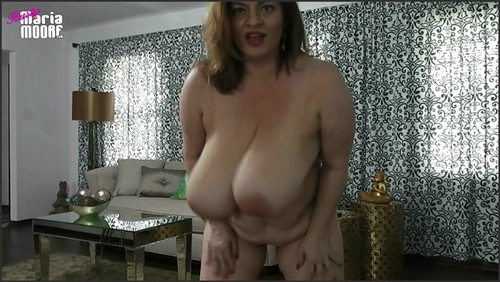 You Dream of Kissing Maria - BustyMariaMoore  - iwantclips