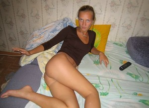 Girlfriend-with-Tanlines-m7ff3trm5x.jpg