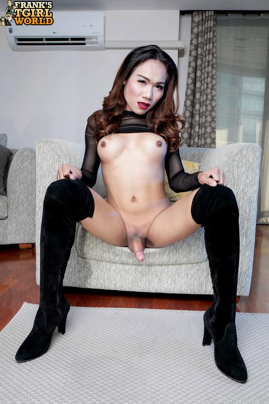 Zaza In Black! Ass (31 October 2019)